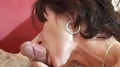 Mature Bisex 's Thumb