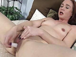 Hot 40 Something Makes Herself Cum