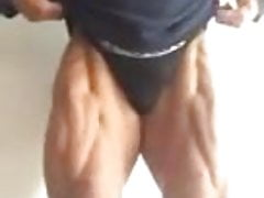 Big bulge escort bodybuilder flexing bulgrian