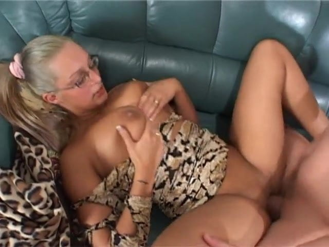 Free download & watch naughty big tits          porn movies