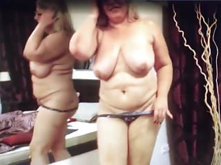 Mature Mom Shows Off