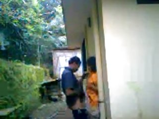 Download video bokep Kerala Colg Lovers Outdoor Fun 7 Mins wid Audio Mp4 terbaru