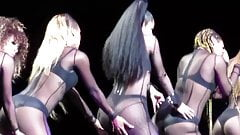 Nicki Minaj - Hollywood Casino Amphitheatre Chicago 2015