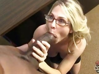 Hungry mature mom gets creampie from black cockzilla