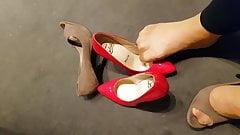 Unpacking the heels of cumonheels81's wife