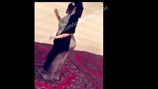 Arab Saudi mom big ass abaya hijabi niqab dance VERY HOT!