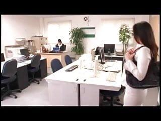 Japanese girl play a dildo - Japanese girls play w. cum shooting dildo