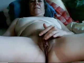 Granny Playing Her Hair Pussy In Webcam