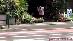 Petite japanese florist pussyfucked in store