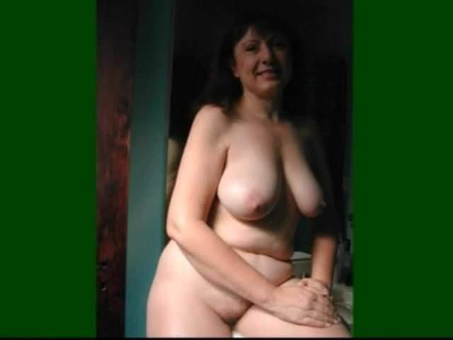 ordinary mature woman nude