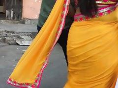 Hot curvy aunty in saree