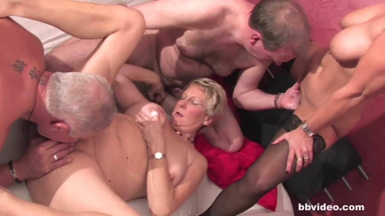 Порно оргазм старушки немки — img 6