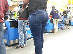 Jamaican ass vpl in blue jeans part 2 (checkout line)