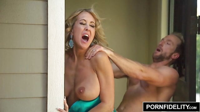 Preview 1 of PORNFIDELITY Tight Bodied MILF Brandi Love Rough Fuck