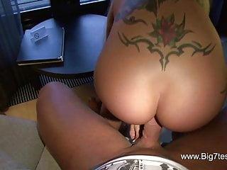 SEXY CORA wird in den Arsch gefickt und besamt