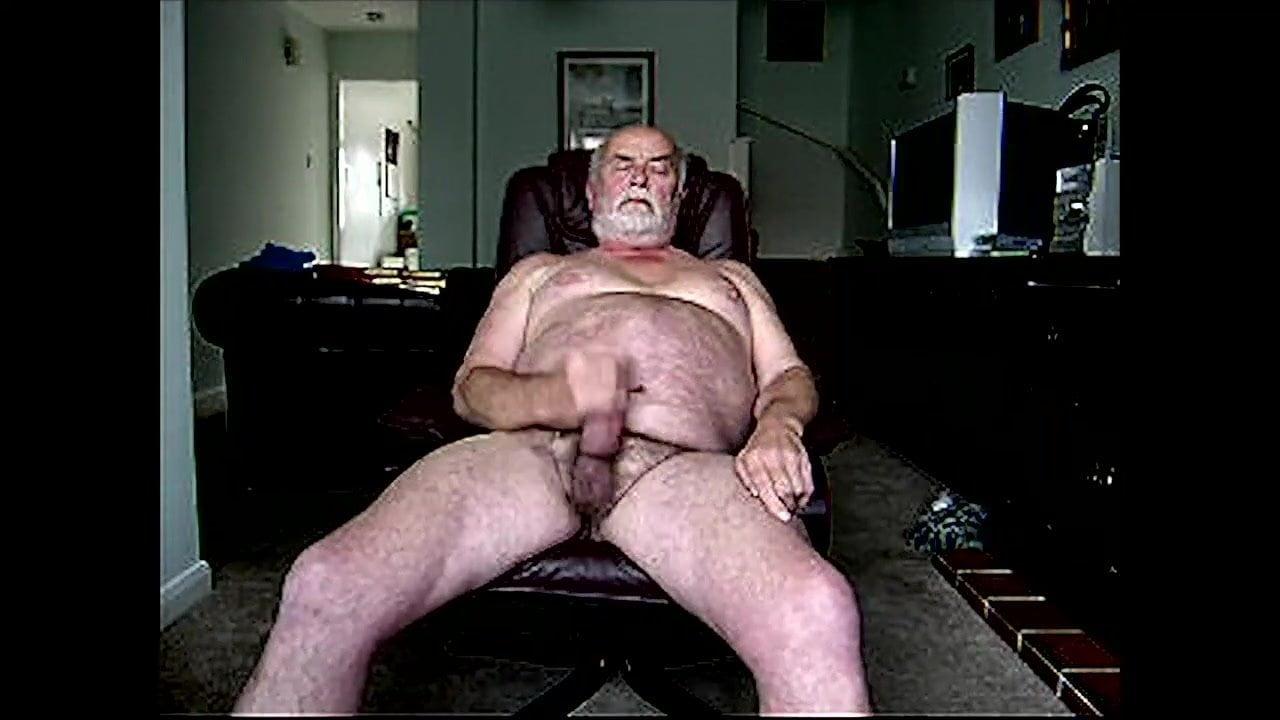 Очень старые мужики дрочат перед камерой и кончаются, смотреть карты с голыми девками