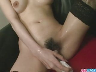 Dirty and kinky barmaid Rino plays solo with audienc