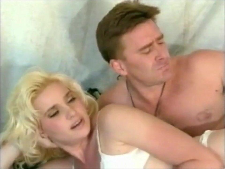Ice blonde Katerina Toilet Masturbation 89%