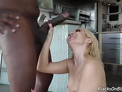 Hungry white girl suck and fuck BBC