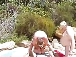 Preview 1 of More bears fucking on the beach !!!