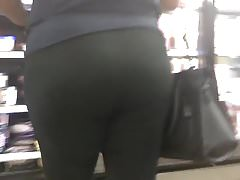 Phat Booty BBW in Black Leggings