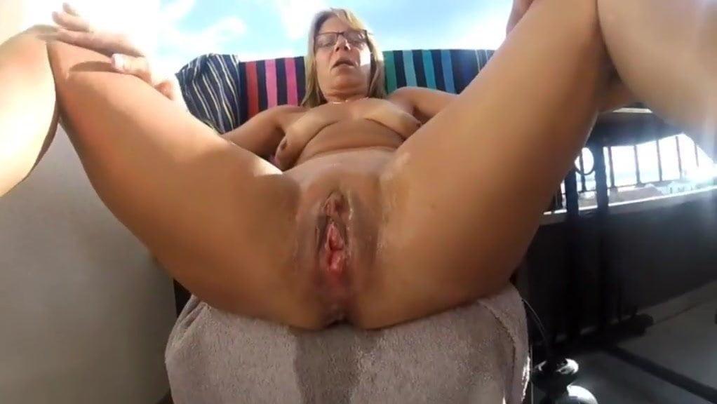 German milf squirting, elisha cuthbert fucking