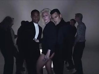 Lady Gaga - I Want Your Love (SHOWs ASS SLOW MOTION)
