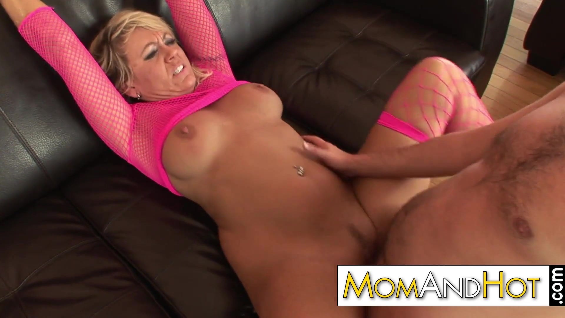 Older Milf Mom Swallows Cum, Free Milf Mobile Hd Porn 46-8924