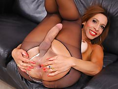 TS Gabrielli Bianco jerking off her cock in pantyhose