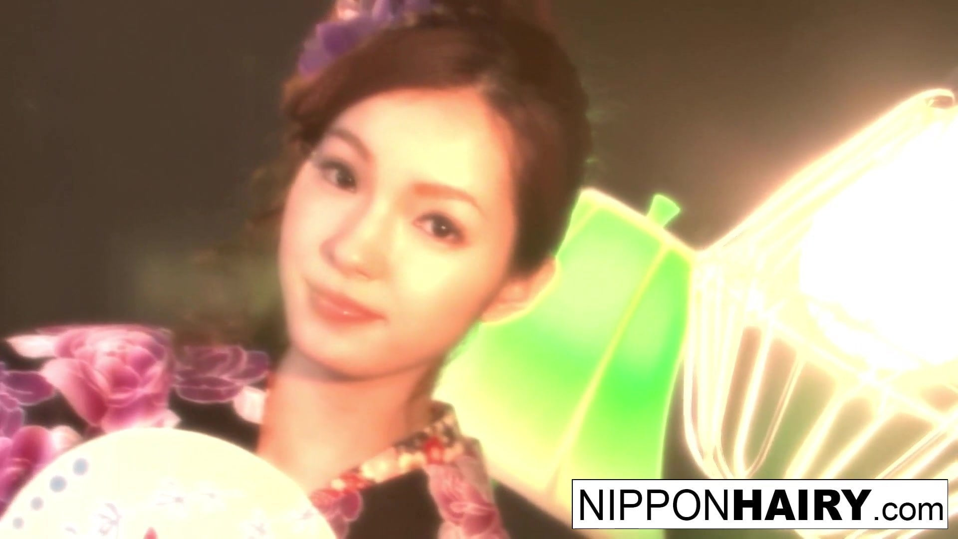 Beautiful Asian strips off her kimono to have some enjoyable