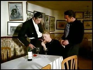 Download video bokep Viaggi di nozze (2 of 3) Mp4 terbaru