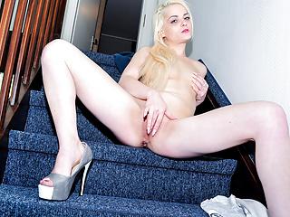 REIFE SWINGER - Naughty German blonde banged on the stairs