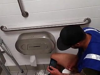 Caught - Worker jerking off in the toilet (he caught me)