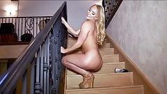 Beautiful AJ Applegate shaking her perfect ass