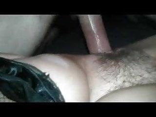 je filme ma femme bien poilue pendant que mon pote la baise