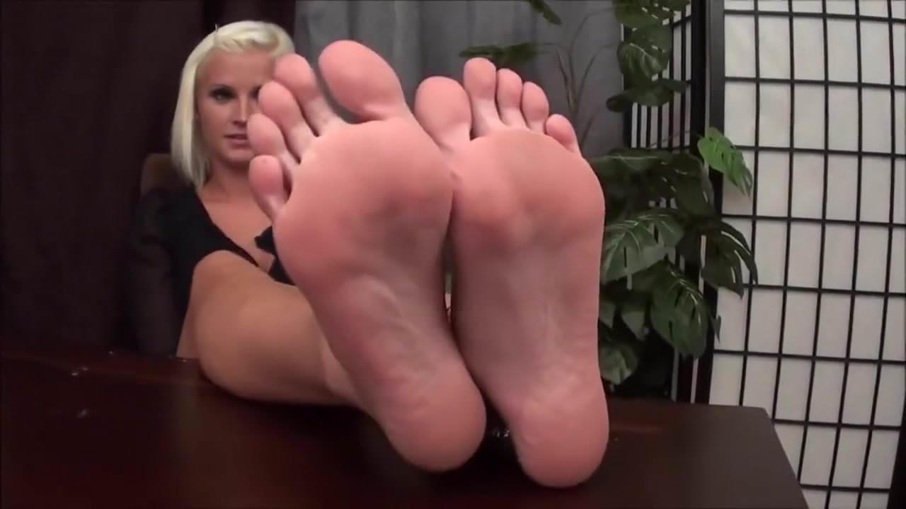 Sexy Bare Feet Porn