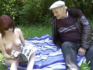Download video bokep Old Man Fucking Young Slut In A Meadow Mp4 terbaru