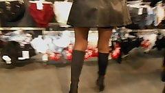 cuissardes de pute rien sous sa jupe
