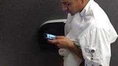 Str8 spy intern guy in public toilet