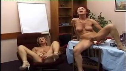 sexy brunette girl naked