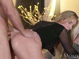Download video bokep MOM Blonde bombshell MILF worships the cock that fucks her Mp4 terbaru