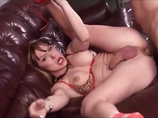 Shemale D. Foxxx Threesome