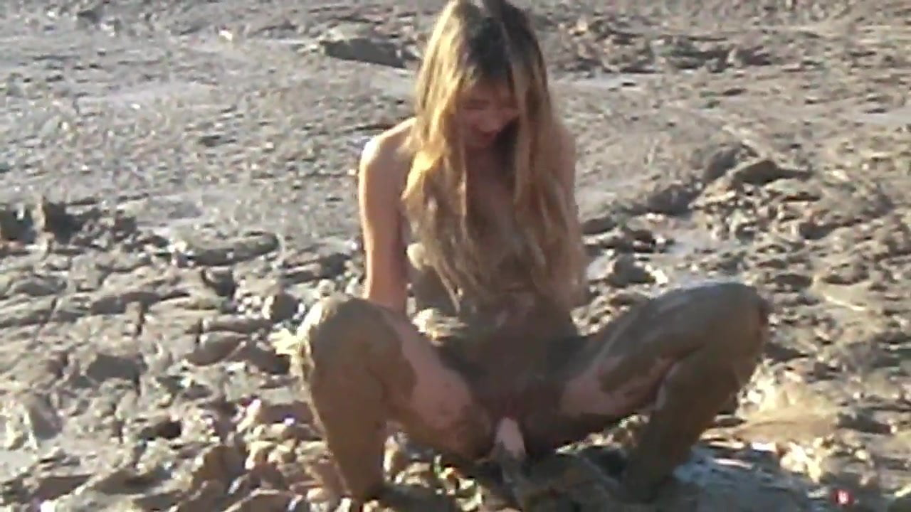 sexy girl masturbation mud