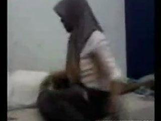 Download video bokep awek tudung dalam bilik Mp4 terbaru