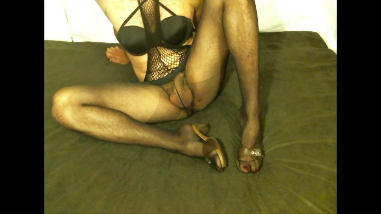 pantyhose houseshoes with Footjob and