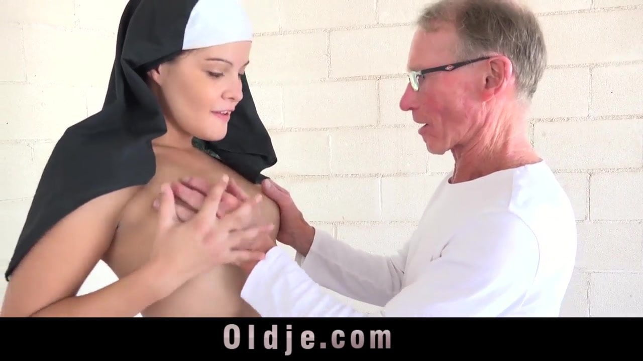 Mature woman with a man fuck young blonde threesome