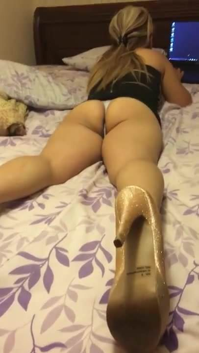 Greek Blonde Mature Watching Tv In Thong, Porn C5 Xhamster-4063