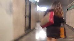Cum on girl in public, lechazo en el metro