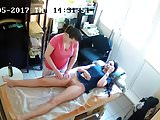 Mujer desnuda en un probador