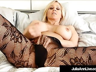 Beautiful Blonde Milf Julia Ann Wants You To Jack Off To Her
